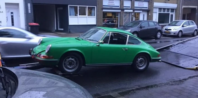 Stolen 1972 Porsche 911 located and recovered