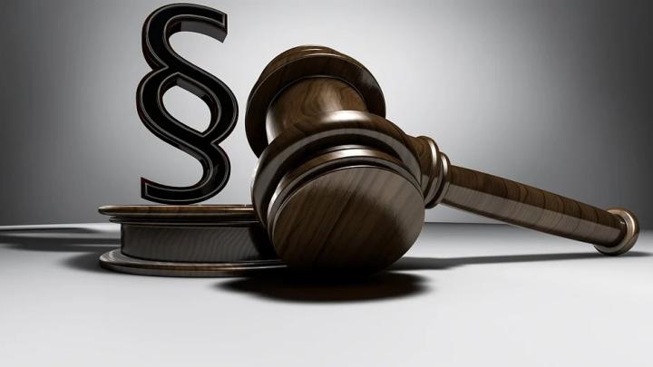 Über einen Herausgabeanspruch entscheidend im Streitfall der Richter, bei Unterschlagung gibt es ihn nicht